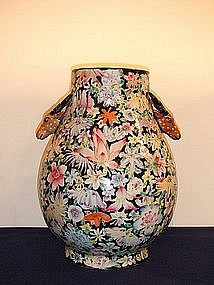 LARGE AND BEAUTIFUL LATE QING MILLEFLEUR 'HU' VASE