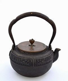Japanese Iron Teapot Tetsubin Bronze Lid Signed