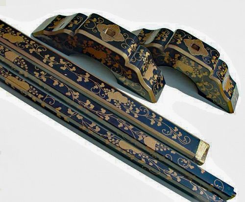 Japanese Lacquer Hand Towel Rack with Maki-e