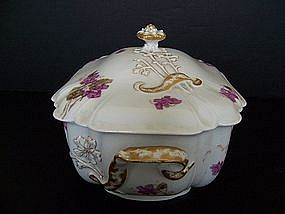 An Elegant Haviland Soup Tureen, circa 1888-1896