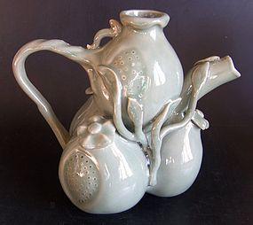 Celadon tepot, 20th century
