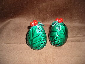 LEFTON HOLY LEAVES SALT &PEPPER SHAKERS