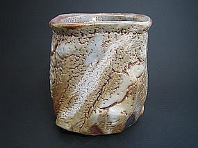 Yohenkin Shino Vase by Suzuki Tomio