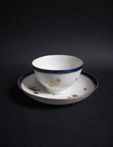 Fine �Le Nove� Teabowl and Saucer c.1800