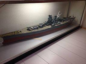 Japanese WWⅡ Imperial Navy battleship YAMATO model w/ case