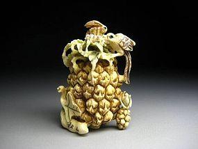 Japanese Antique Pineapple Insect Nightingale Netsuke Okimono Statue