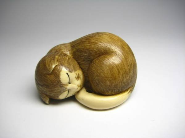 Japanese Antique Zoge Ivory Sleeping Cat Neko Mammoth Okimono Netsuke