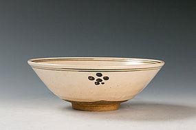 An Umebachi e-Gourai Chawan by Miura Chikusen I