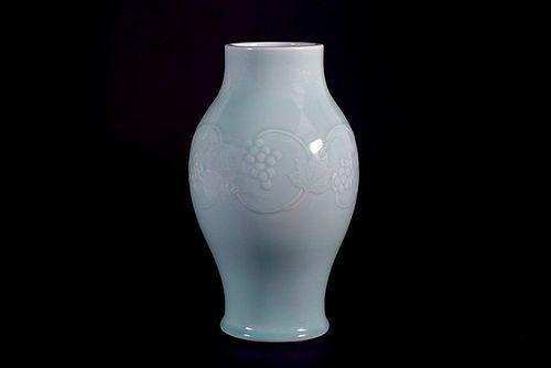 Suwa Sozan II Celadon Vase Decorated with Vine and Grape Motif