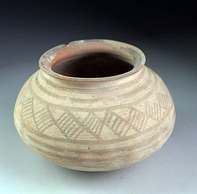 Indus Valley / Bactria pottery jar, 3rd. millenium BC