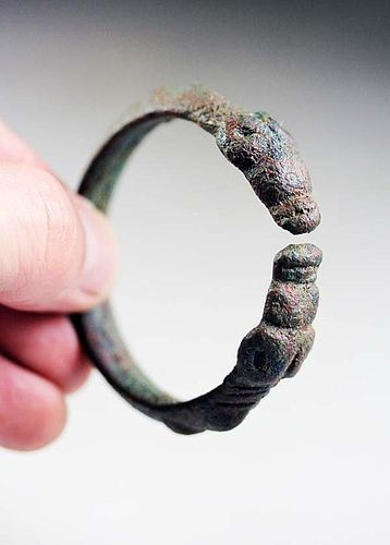 Rare Luristan bronze bracelet w Goat head terminals!