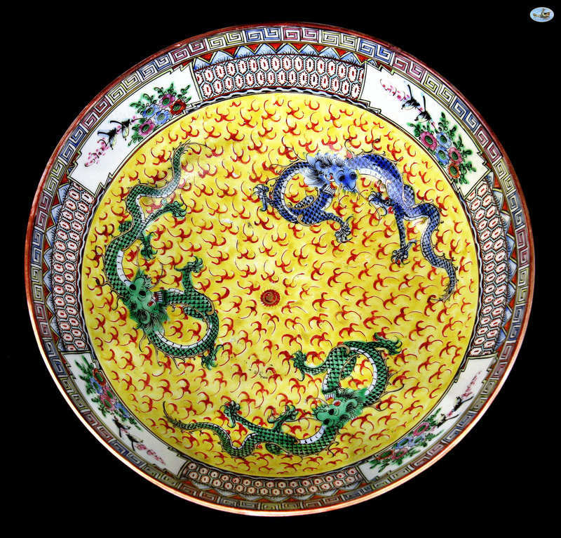 1800 Antique Chinese Multicolor Porcelain Bowl with Dragons and Fire