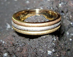 3-Tone Sandblasted Solid 18K. Gold (Pink-White-Yellow)