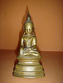 Fine SHAN State Bronze Buddha seated, 18/19th Century