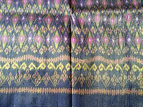 THAI HAND WOVEN 100% SILK MATMEE IKAT WITH GOLD-BROCADE THREAD (rare!)