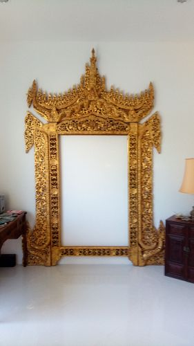GRAND MANDALAY BURMESE GILT PALACE LION THRONE WOODCARVING, ca. 1858