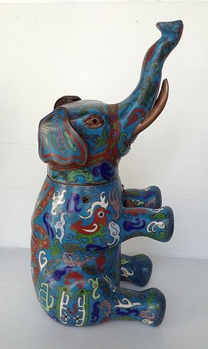 CLOISONNE ELEPHANT WITH SECRET CONCEALED COMPARTMENT, 19th Cent.