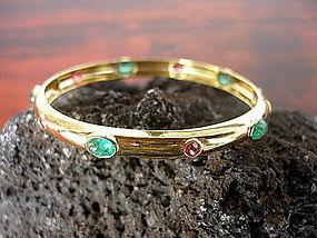 18K. Gold Bangle-Bracelet set with Emeralds and Rubies
