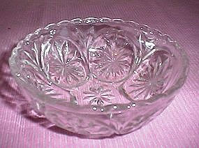 Anchor Hocking EAPC Star and Cameo Pattern Bowl
