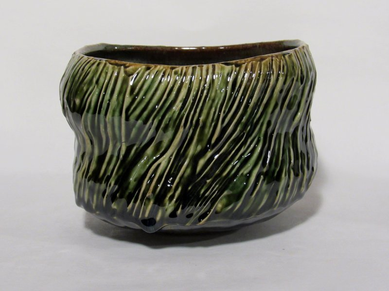 LARGE ALTERED AND SLIP COMBED ORIBE TEABOWL (1176TB)
