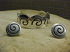NAVAJO MIKE CARROL WHITE HOGAN BRACELET AND EARRINGS