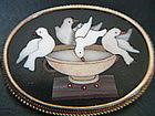Victorian Pietra Dura 4 Doves at Fountain Brooch i Gold