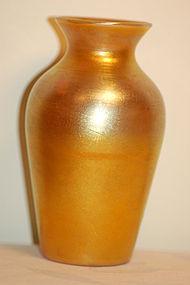 Quezal glass vase Favrile Aurene signed C:1910