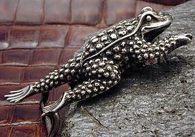 Kieselstein-Cord Sterling Toad Belt Buckle