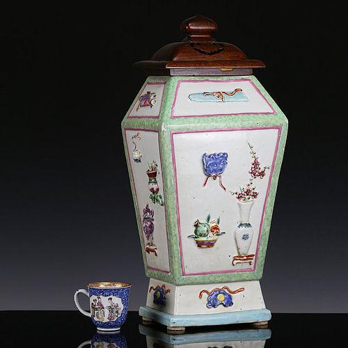 18th c Yongzheng Qianlong Famille Rose Square Porcelain Vase