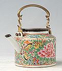 Bencharong Lai Nam Thong Teapot