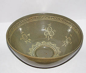 A Korean Punchong inlaid celadon bowl.