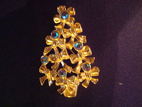 AVON RIBBON & RHINESTONE CHRISTMAS TREE PIN