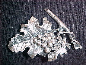 DANECRAFT STERLING GRAPE VINE PIN 1940's