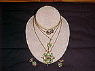 VINTAGE GREEN RHINESTONE PENDANT/MEDALLION & EARRINGS