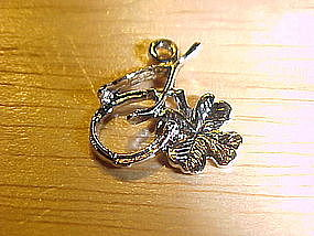 VINTAGE STERLING SILVER GOOD LUCK CHARM 4 LEAF CLOVER