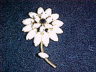 VINTAGE  WHITE & BLACK RHINESTONE FLOWER PIN