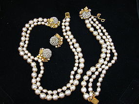 Miriam Haskell Baroque Pearl necklace bracelet earrings
