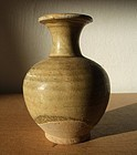 Chinese straw glaze small vase