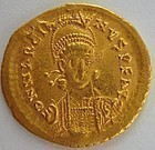 A LATE ROMAN/EARLY BYZANTINE GOLD SOLIDUS OF MARCIAN