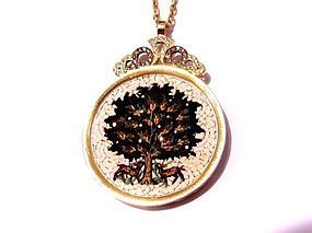 A MICRO MOSAIC OF THE TREE OF LIFE IN 18K GOLD AND DIAMOND PENDANT