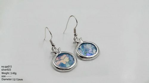 TWO ROMAN GLASS FRAGMENTS IN SILVER POMEGRANATE EARRINGS