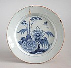 Antique 17th / 18th Century Delft Dish - Chinese Kangxi / Qianlong Sty