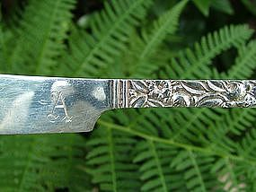 6 REPOUSSE square handle flat butter knives