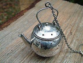 Fradley hammered tea pot tea ball model 2619H