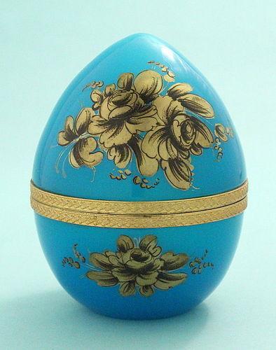 Blue Opaline Egg-Form Box