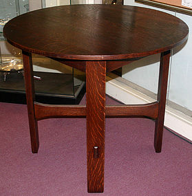 Stickley Brothers Arts and Crafts round lamp table