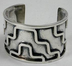 Lico Mexican sterling silver geometric designed cuff bracelet