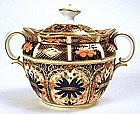 Royal Crown Derby sugar bowl in Imari pattern, 1128
