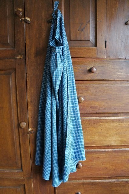 Antique blue calico long apron all hand sewn C. 1870