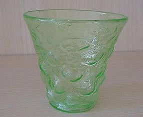Consolidated Catalonian Emerald Sweet Pea Vase